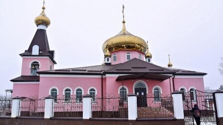 Храм Архистратига Божия Михаила в с. Круглолесском