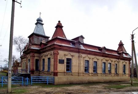 Храм Архистратига Божия Михаила в с. Приозерском