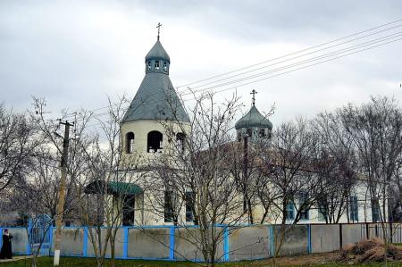 Храм Архистратига Божия Михаила в с. Правокумском